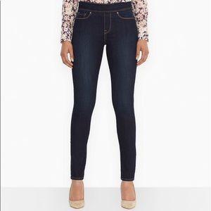 Levi's pull on skinny jeans